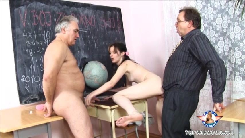 Школьная училка с большими сиськами